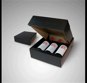 Antiqua scatola 3 bottiglie