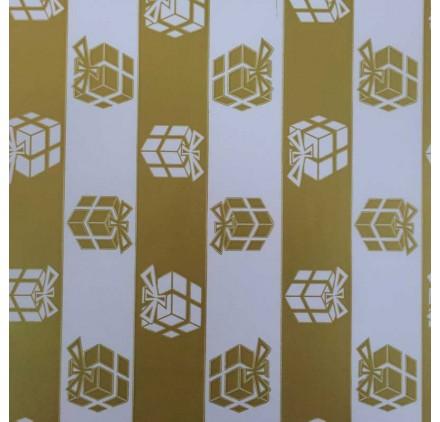papel de embrulho liso branco com prendas dourado