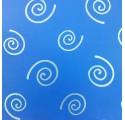 Papel de regalo azul liso con espirales en plata
